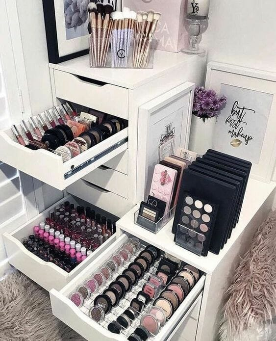 Best Makeup Storage Ideas For Small Es